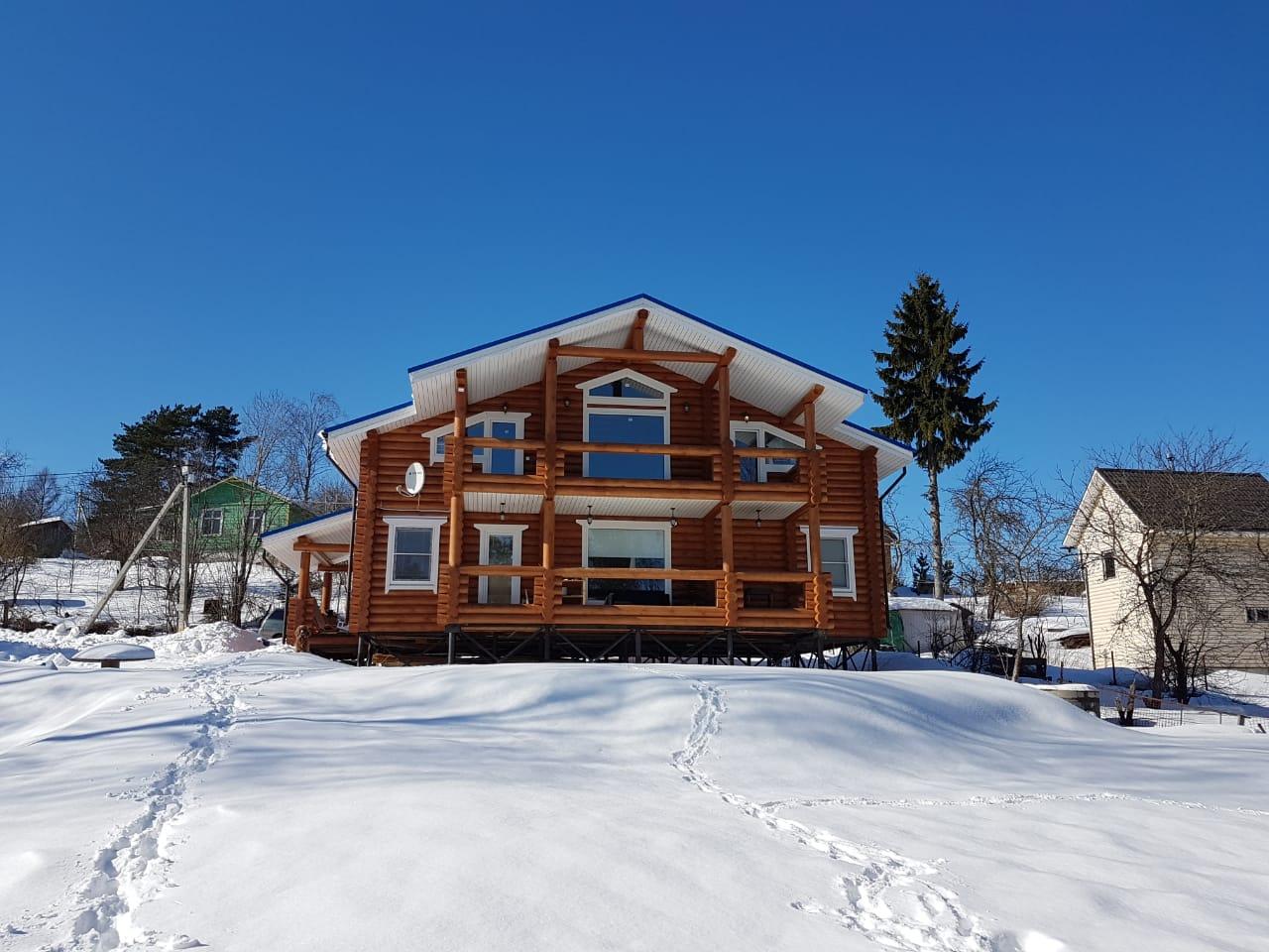 Двухэтажный дом из бревна в Новое Токсово