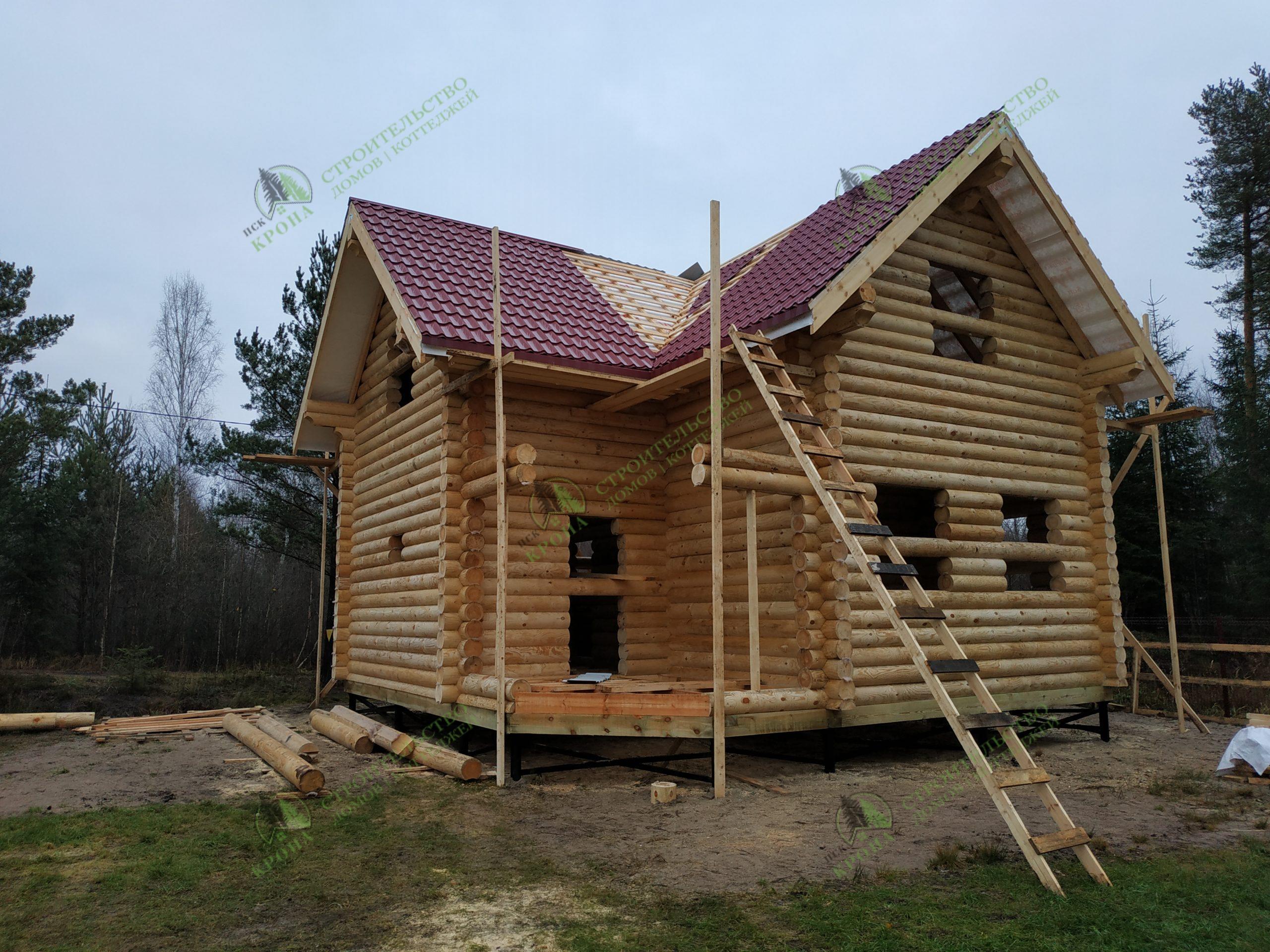 Двухэтажный дом из оцилиндровки в поселке Борисова Грива