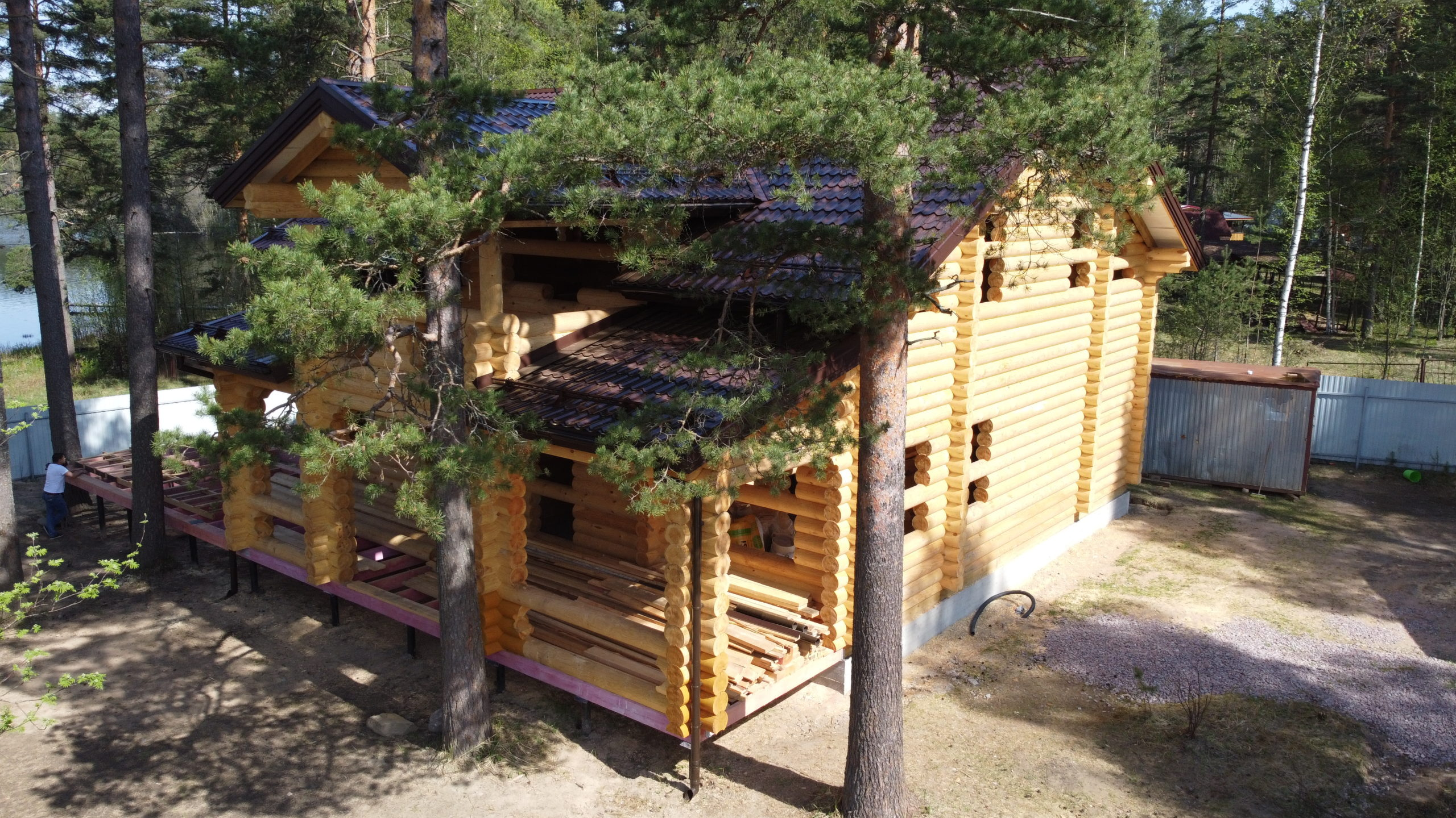 Дом из оцилиндрованного бревна  в пос. Саперное