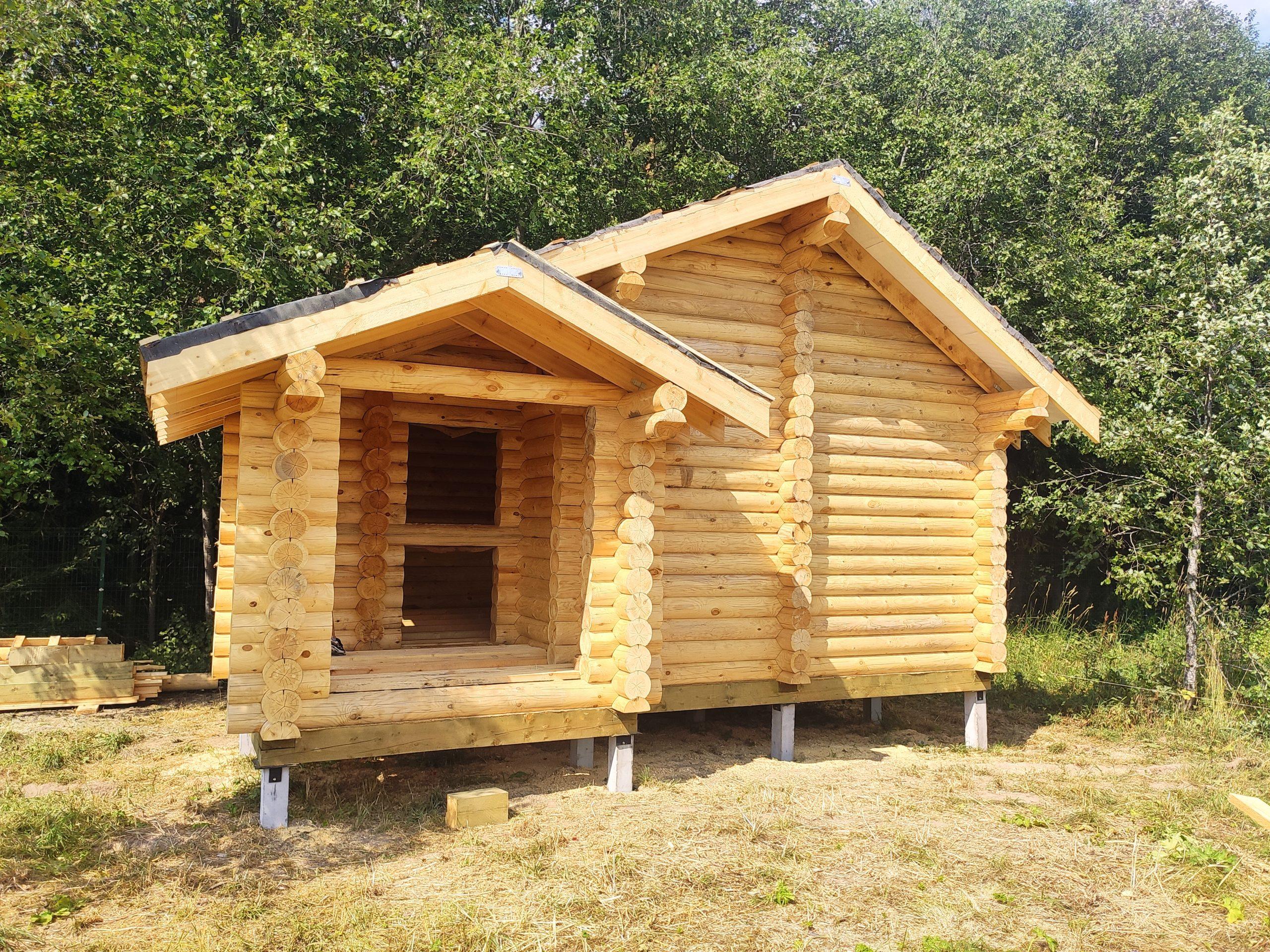 Баня из бревна в коттеджном поселке Огоньково